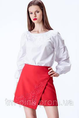 Спідниця червоного кольору з запахом та вишивкою