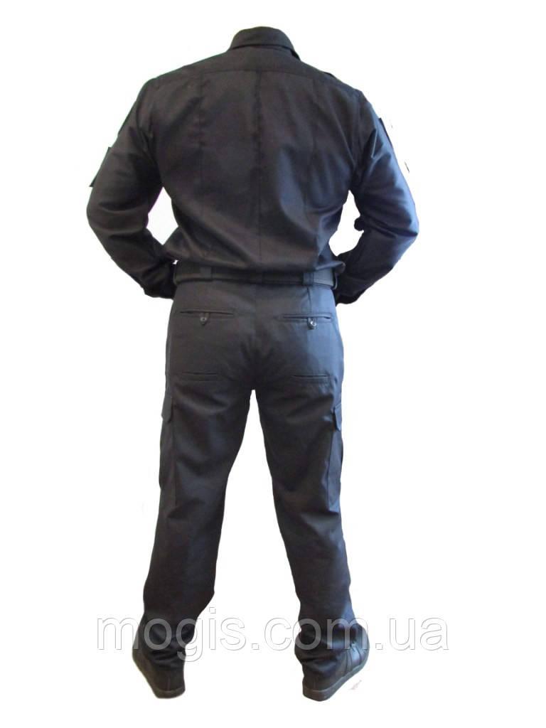 cc2fb0590303 Сотрудники кинологической службы полиции демонстрируют летнюю повседневную  форму во время презентации новой формы и удостоверений для сотрудников МВД.