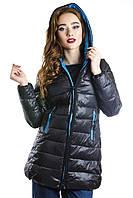 Женская куртка черная на застежке молния с капюшоном