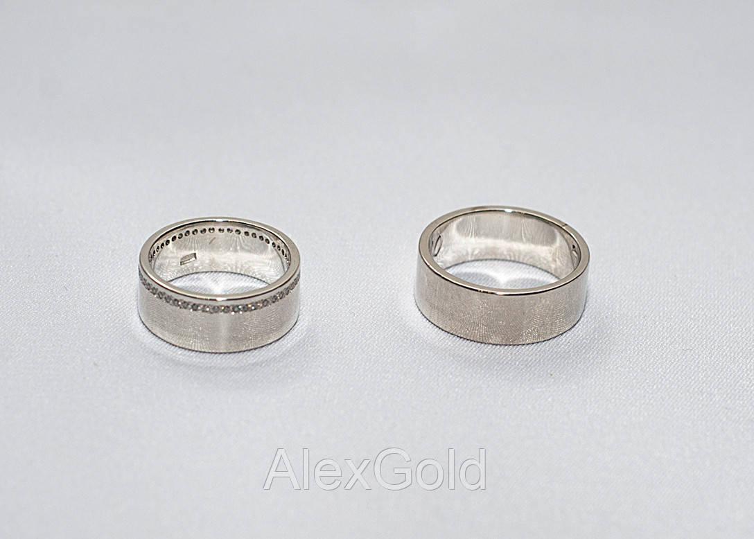 Классические обручальные кольца с камнями