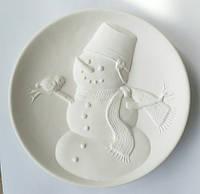"""""""Снеговик со снегирём"""" - декоративная тарелка для росписи с барельефом"""