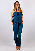 Модный женский комбинезон с открытыми плечами и воланом на груди синий