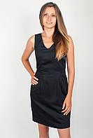 Нарядное женское платье по фигуре без рукавов с кружесвной вставкой на спинке черное