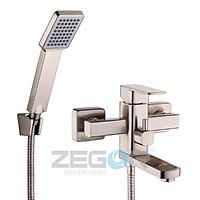 Смеситель для ванны в цвете нержавейка короткий гусак Z65-LEB3-H ZEGOR (TROYA)