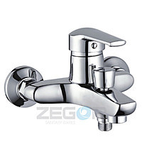 Смеситель для ванны Zegor (TROYA) короткий гусак, Z33-SWZ-А182 (SIT182)
