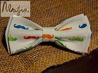 Бабочка белая с усами Классик2