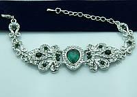 Серебристый браслет с зелёными камнями. Королевская бижутерия оптом недорого. 938