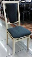 Стул деревянный с мягким сиденьем и спинкой Чумак, цвет слоновая кость , оббивка Колібрі Francesca 070LS