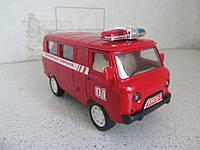 Машинка Уаз инерционная Пожарная охрана (16,2 х 7,3 х 9,2)