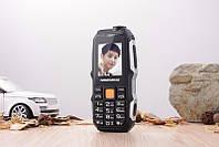 Противоударный мини телефон LAND ROVER F6000 NEWMIND на 2 Sim с Батареей 2600Mah и Фонарик