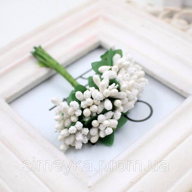 """Додаток к цветам """"рис"""" или """"шишечки"""" белые с зелёными листиками, букетик из 11-12 соцветий, длина 11 см"""