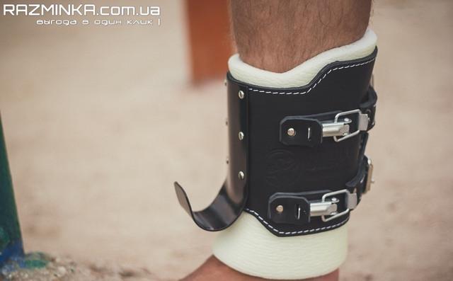 гравитационные ботинки NewAGE Comfort на защелках, инверсионные ботинки юниор, гравитационные ботинки, инверсионные ботинки, ботинки для турника, крюки на ноги, хомуты для ног, ботинки с крюками, зацепы для турника, инверсионные ботинки для турника.