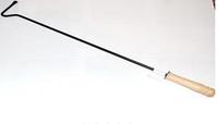 Металлическая кочерга с деревянной ручкой 60 см