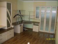 Стенка и компьютерный стол  в гостиную