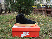 Зимние кроссовки в стиле NIKE Air Force 1 Mid замша мех черные, фото 1