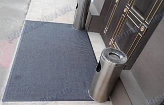 Грязезащитный ворсовый ковер на резиновой основе при входе в помещение 10