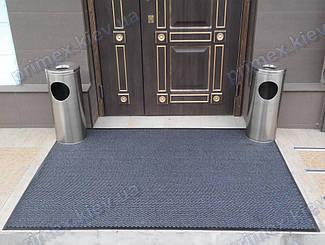 Грязезащитный ворсовый ковер на резиновой основе при входе в помещение 13