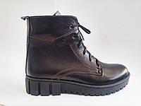 Кожаные женские зимние комфортные стильные черные ботинки на шерсти, платформа 37 Violetti