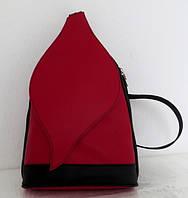 Стильная сумка-рюкзак женская кожаная. Красный с черным. Италия