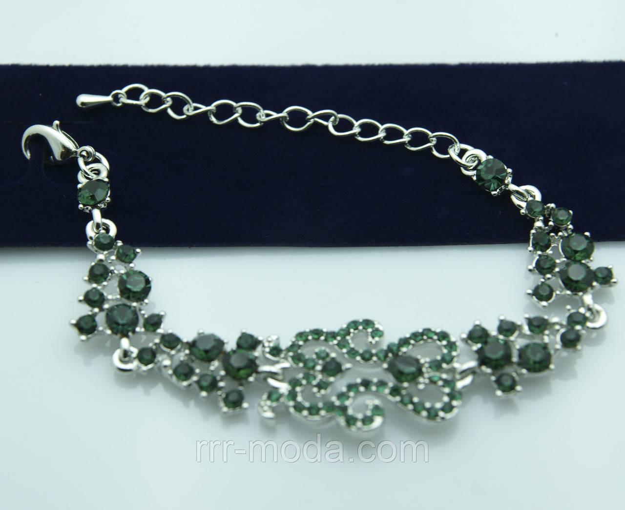 Эффектный браслет с зелёными кристаллами. Дизайнерские аксессуары на руку оптом. 1005