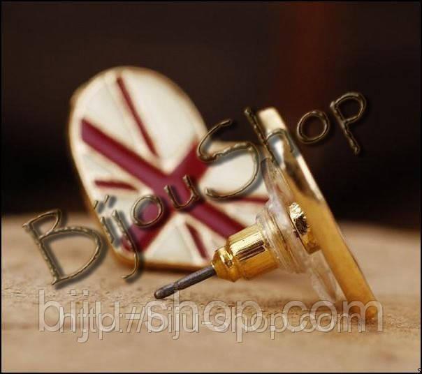 Оригинальные серьги гвоздики Сердечко Флаг
