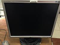 """17"""" монитор LG 1751SQ-SN в отличном состоянии."""