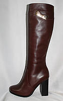 Классические коричневые зимние сапоги на каблуке из натуральной гладкой кожи
