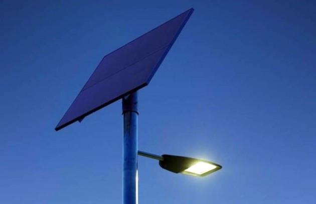 Уличные LED фонари на солнечной батарее