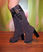 Женские молодежные сапожки на высоком каблуке, в наличии 37 размер