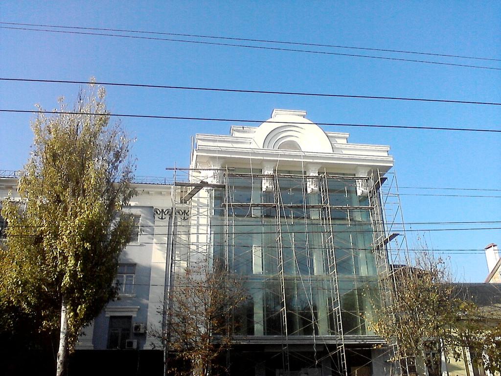 Фасад магазина DOMANI (г. Херсон, пр. Ушакова)