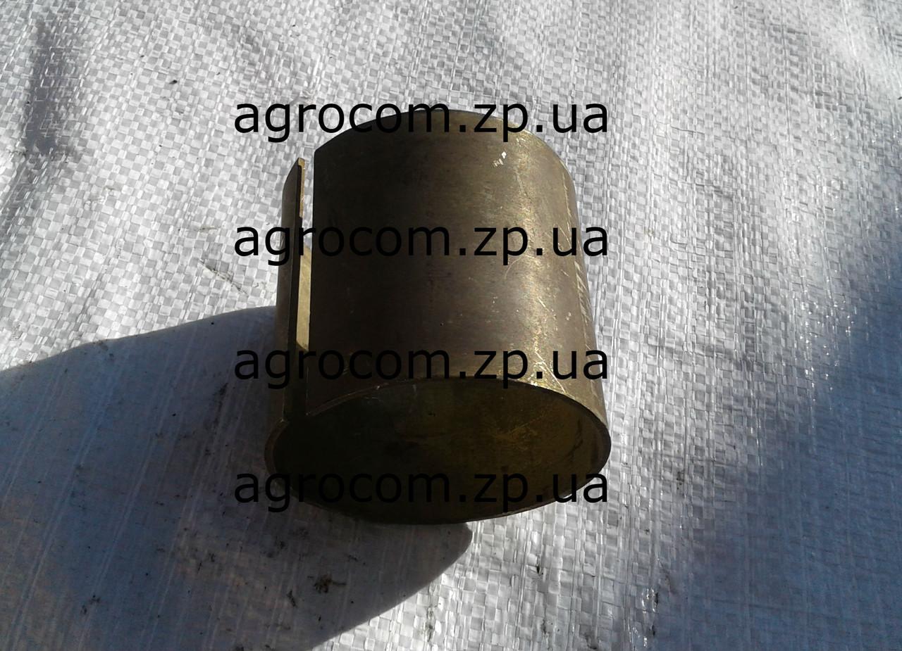 Втулка свертная проміжної шестерні КПП ЮМЗ 40-1701068