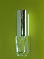 Стеклянный флакон 5 мл с металлическим спреем.