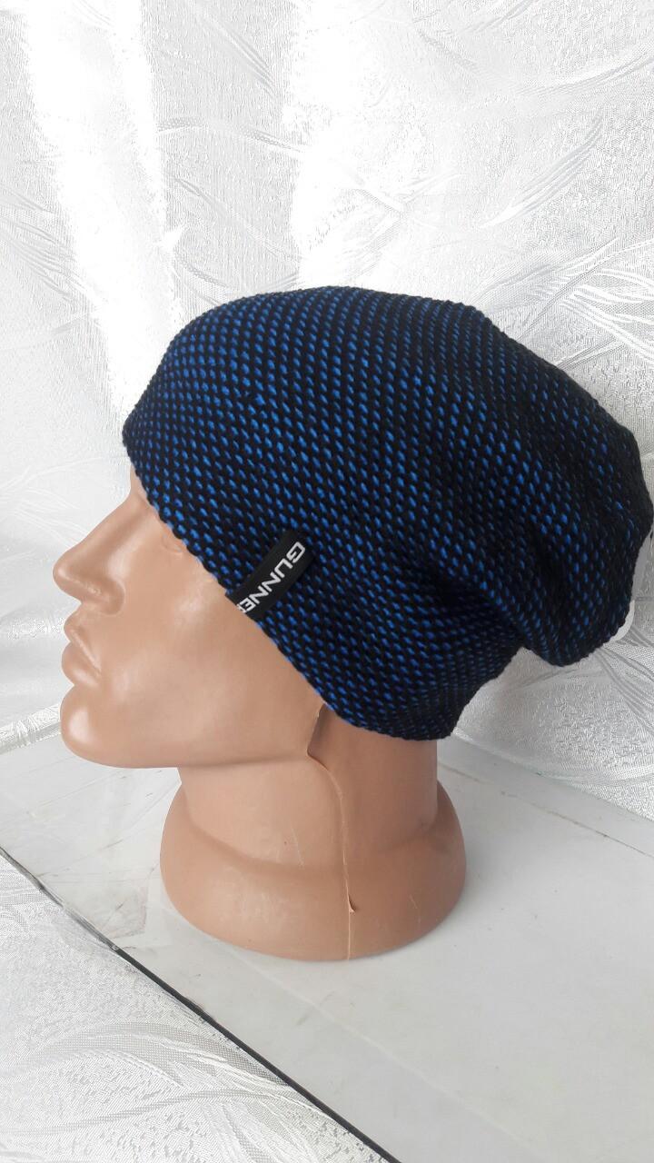 Удлиненная мужская шапка на флисе
