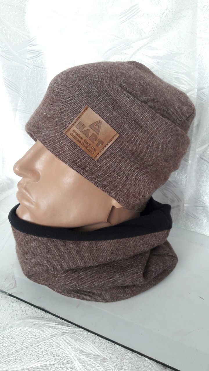 Теплая мужская шапка и хомут на флисе кофейного цвета