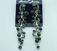 Зелёные фигурные серьги в оправе под серебро. Изящные украшения оптом в Украине. 438