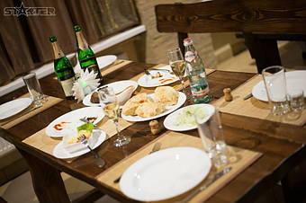 Во время отдыха на мебели из сосны мы вдыхаем ароматические вещества, выделяемые сосной.