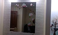 Установка зеркал на специальный эластичный зеркальный клей.