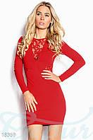 Коктейльное мини платье. Цвет красный.