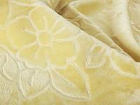 Одеяло-плед  тесненный  от  ТМ Elwey молочный  двуспальный евро