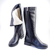 Кожаные женские сапоги на низком каблуке