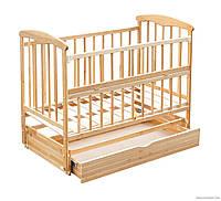 Кроватка Наталка с ящиком на маятнике и откидным бортиком, светлая
