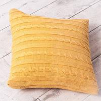 Декоративная подушка с вязаным чехлом