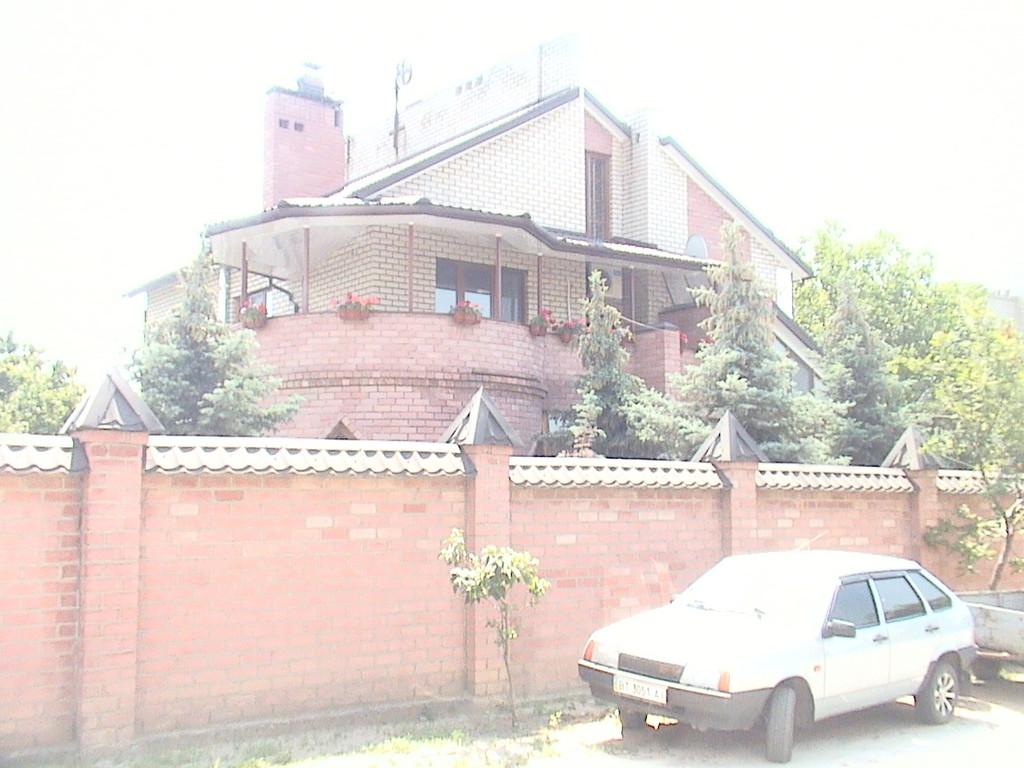 """Утепление пенопластом частного дома с отделкой фасада декоративной штукатуркой ( """"короед"""" )"""