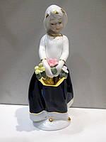 Большая статуэтка  Девочка с корзиной, фото 1