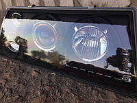 Передние фары на ВАЗ 2109 (Светомания) черного цвета.