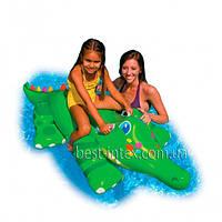 Детский надувной плотик Крокодил с ручками Intex 56520