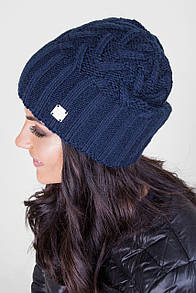 Вязанная теплая женская шапка