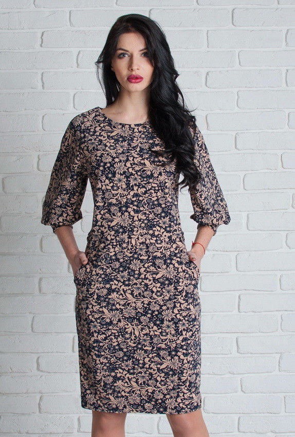 Женское бежевое платье с карманами