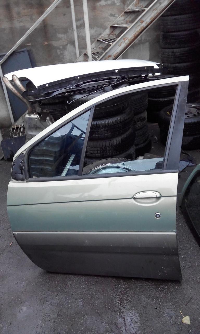 Дверь передняя левая Renault Scenic RX4