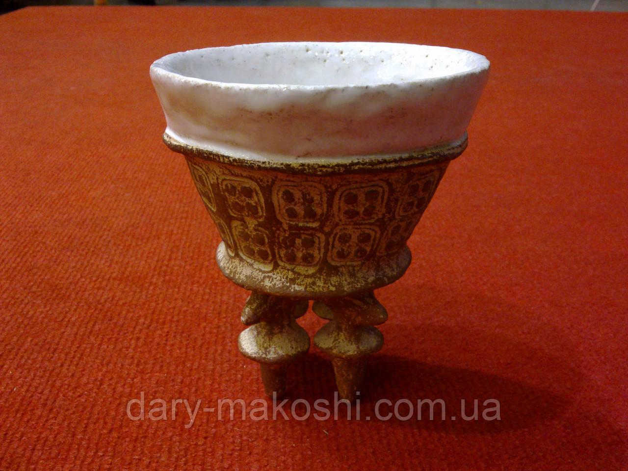 Чашка керамическая оригинальная на ножках